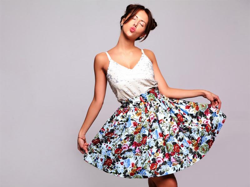 שמלות וחצאיות - לנשים בלבד